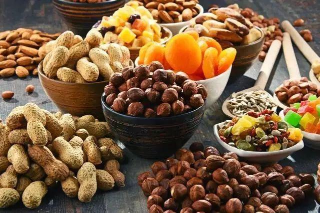 新春佳节,少吃花生瓜子,多吃这6种,牛年身体特别
