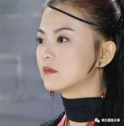 42岁李湘大姐出门被拍,与荧屏简直天壤之别,网友:王岳伦好苦!