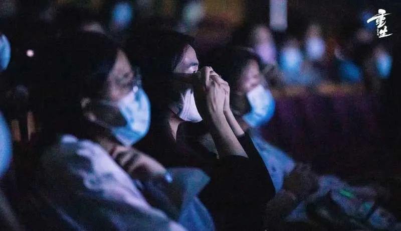 从这部音乐剧里,我们看到了唯爱永生