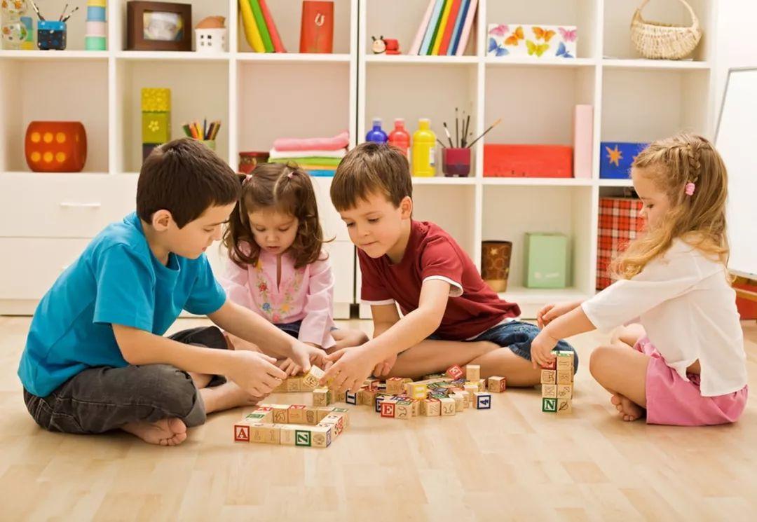 在幼儿园多让孩子和同伴玩,社交能力就越强?很多