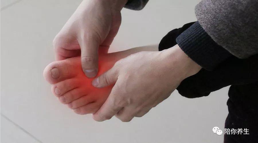 糖尿病人出现烂脚 足部可能有4个先兆 别忽视了