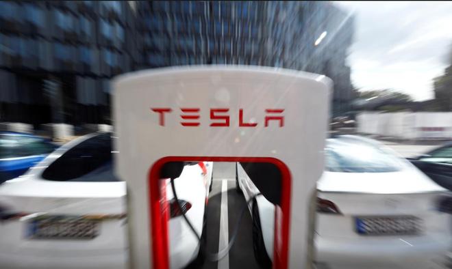电池日后特斯拉股价崩盘 专家质疑特斯拉可能无法实